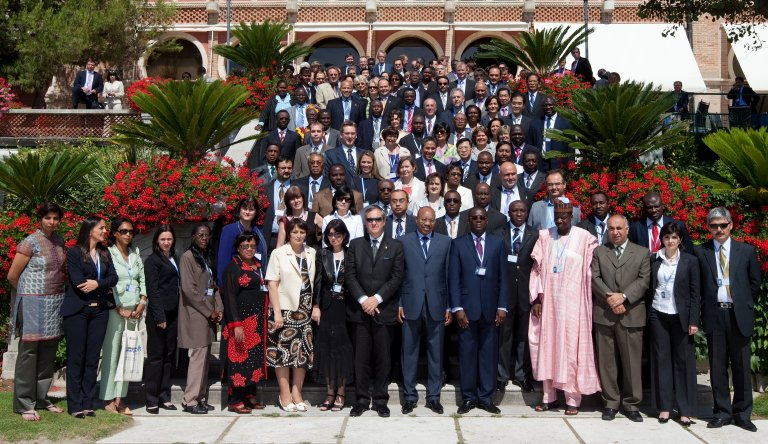 Maximizing Positive Synergies between Global Health Initiatives and Health Systems